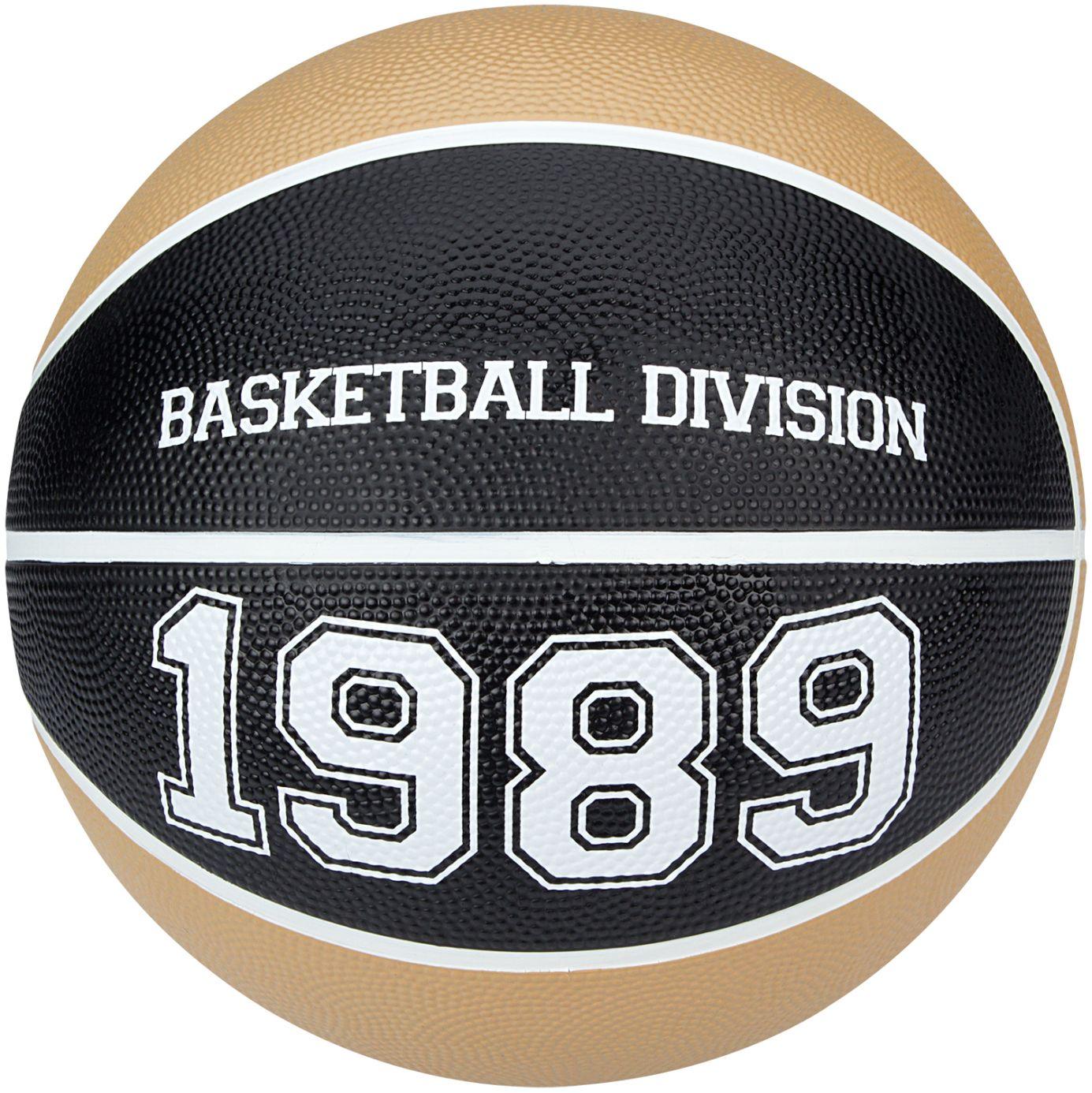 Basketbal • Division •